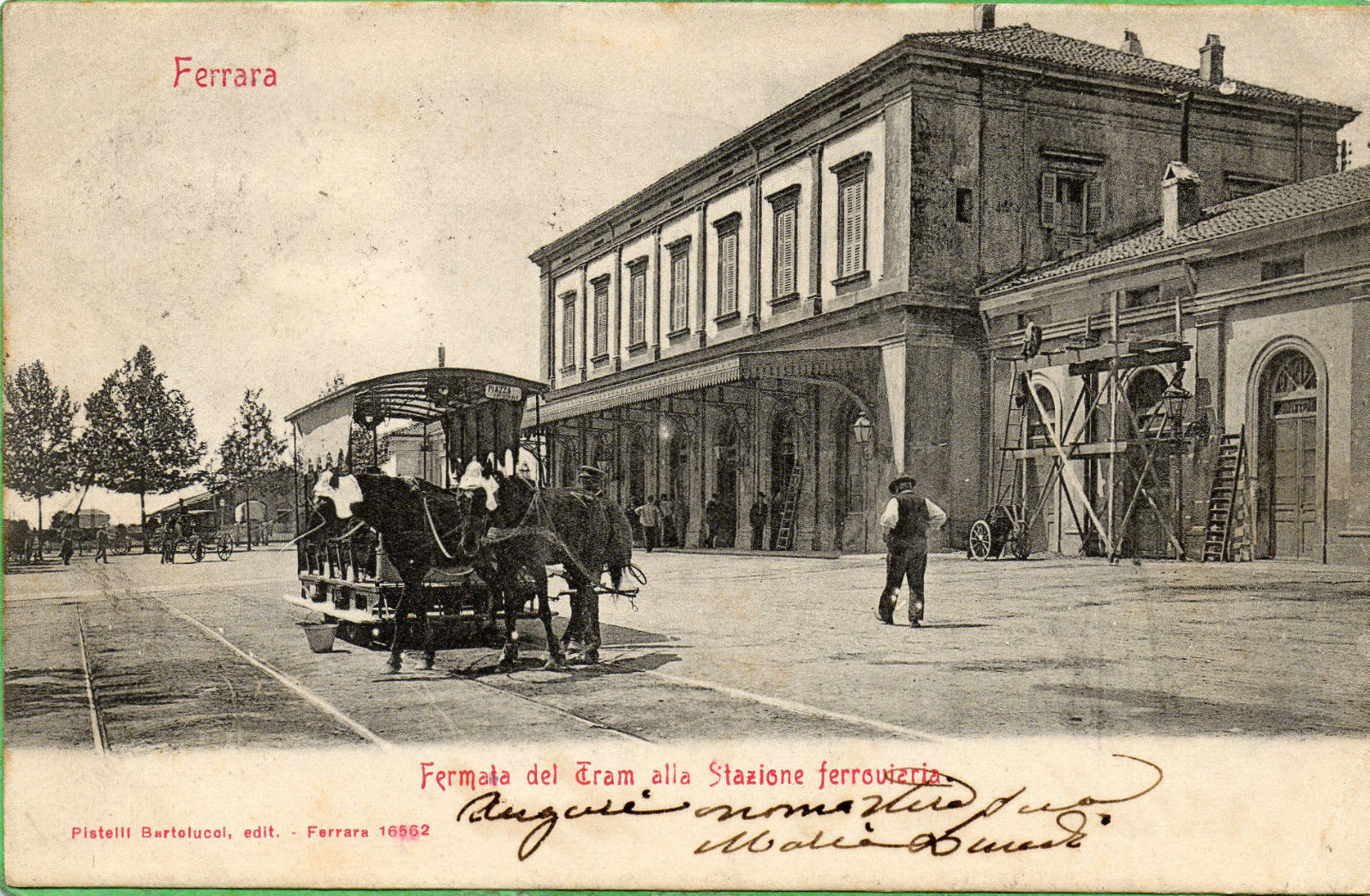 Fermata del tram alla stazione ferroviaria